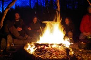 Topf über dem Feuer