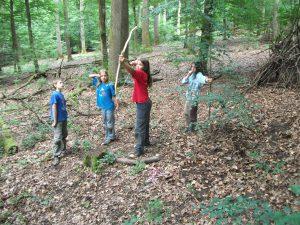 Bogenschießen im Wald