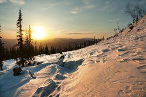 Sonnenuntergang im Kusnezker Alatau, Sibirien.
